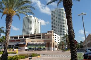 1755 E Hallandale Beach Blvd #MEZ5E - Photo 1