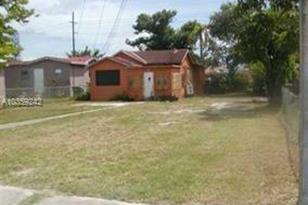 1490 NW 58 Ter - Photo 1