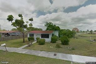 962 NW 10th St. - Photo 1