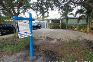 1624 NW 5th Ave - Photo 1