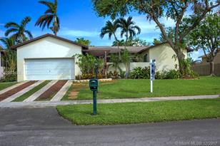 8005 SW 199th Ter - Photo 1