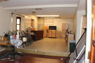 1900 SW 97th Ave - Photo 1