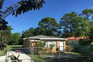 1106 NW 7th Ter - Photo 1