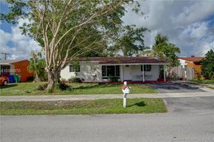 1721 SW 50th Ave - Photo 1