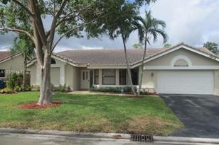 5608 NW 66th Ave - Photo 1