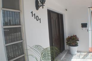 1101 SW 17th Ave - Photo 1