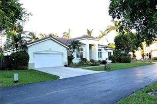 8427 SW 138th Ter - Photo 1