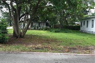 4600 Brooker - Photo 1