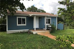 1518 SW 2nd Ave - Photo 1