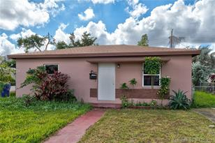 3626 NW 15th St - Photo 1
