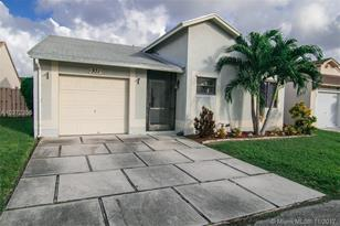 931 SW 109th Ave - Photo 1