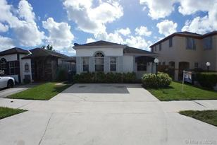 13910 SW 160th Ter - Photo 1