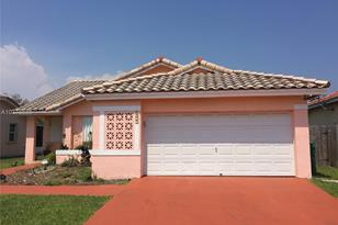8533 SW 207th Ter - Photo 1