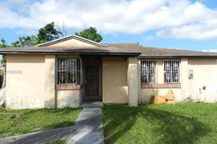 12061 SW 192nd Ter - Photo 1