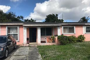 2841 NW 171st Ter - Photo 1