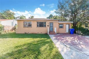 1030 NW 44th St - Photo 1