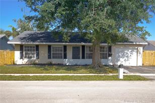 11075 NW 24th St - Photo 1