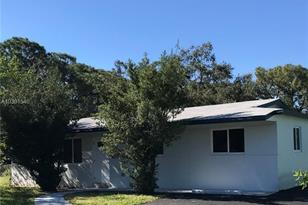 1031 NW 26th Ave - Photo 1