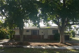 1260 NW 200th St - Photo 1