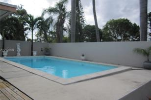 720 SW 2nd Ave - Photo 1