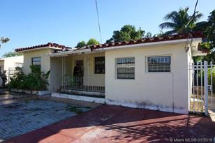 1460 NW 35th St - Photo 1