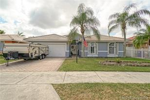14850 SW 176th Ter - Photo 1