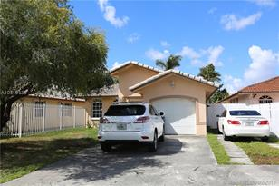 820 SW 141st Ave - Photo 1
