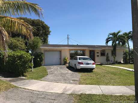 6151 SW 110th Ave - Photo 1