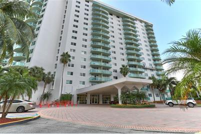19380 Collins Ave #720 - Photo 1