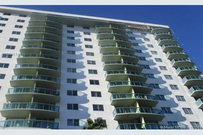 19380 Collins Ave #1405 - Photo 1