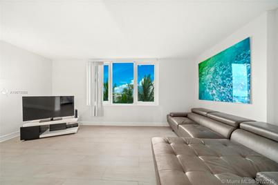 2301 Collins Ave #328 - Photo 1