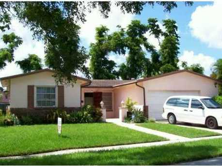 9120 NW 18th Ct - Photo 1