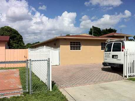 3521 NW 100 St - Photo 1