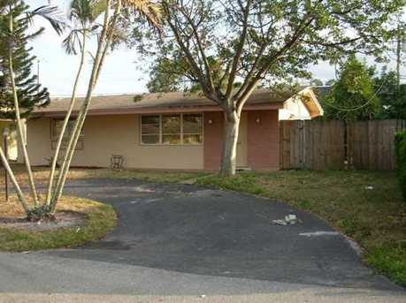 7880 NW 10th St - Photo 1