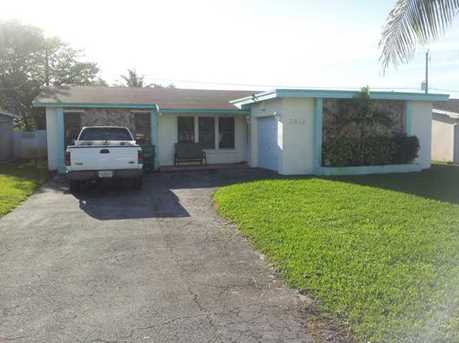 2916 Dolphin Dr - Photo 1