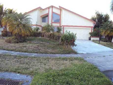 7335 NW 52nd Ct - Photo 1