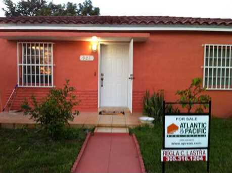 921 NW 35 Ct - Photo 1