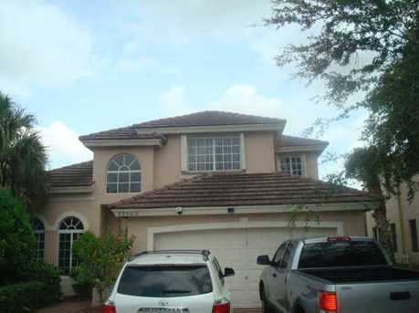 9950 NW 18th St - Photo 1