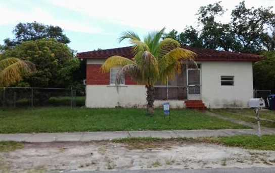 900 NW 142 St - Photo 1