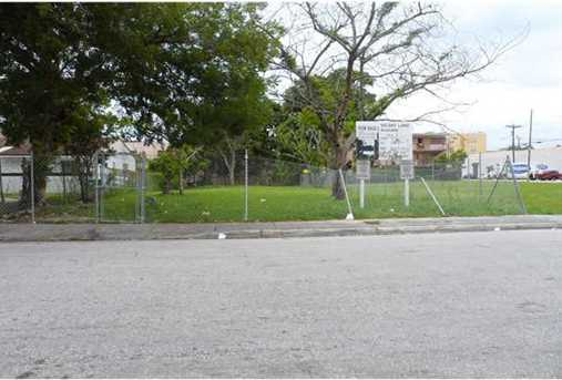 462 NW 8 St - Photo 1