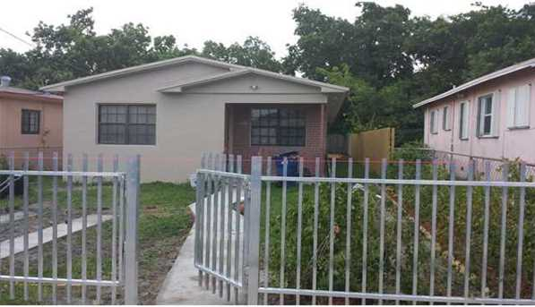 2355 NW 59 St - Photo 1