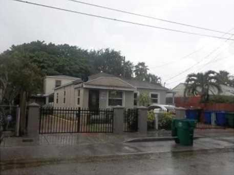 2550 Nw 26 St - Photo 1