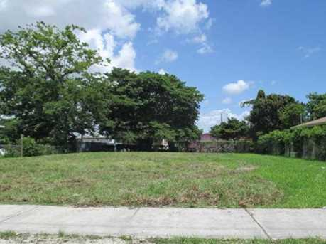 2967 NW 58 St - Photo 1