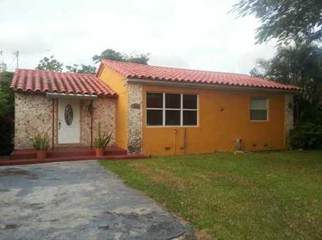 3555 NW 14 St - Photo 1