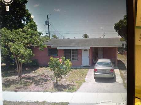 3072 NW 20 St - Photo 1