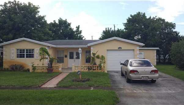 3365 Nw 35Th Wy - Photo 1