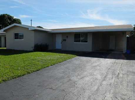 8210 NW 11th St - Photo 1