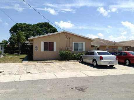 2504 NW 21 St - Photo 1