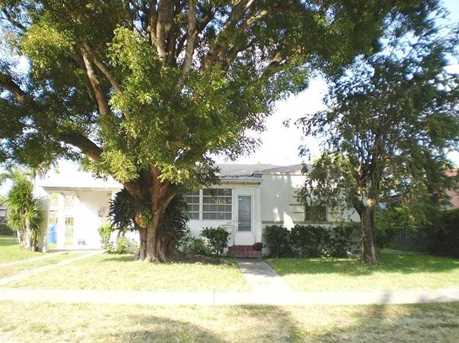 3931 NW 12 St - Photo 1