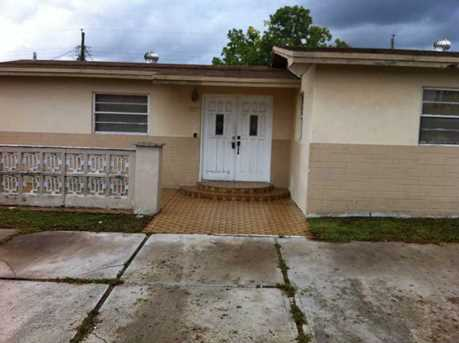 7857 NW 171 St - Photo 1